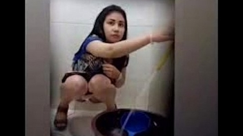 Beaufitul Woman Peeing On Smoothness