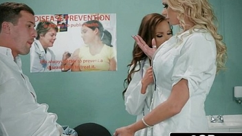 Learn of Taken hold of by Less Fleshlight - Doctors Briana Banks &amp_ Nikki Benz Give Hand