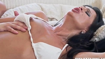 Milf Soraya Rico is a Mum Who Loves Cum
