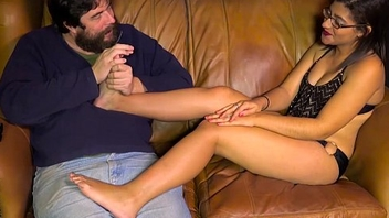 Cutie getting her hands worshipped